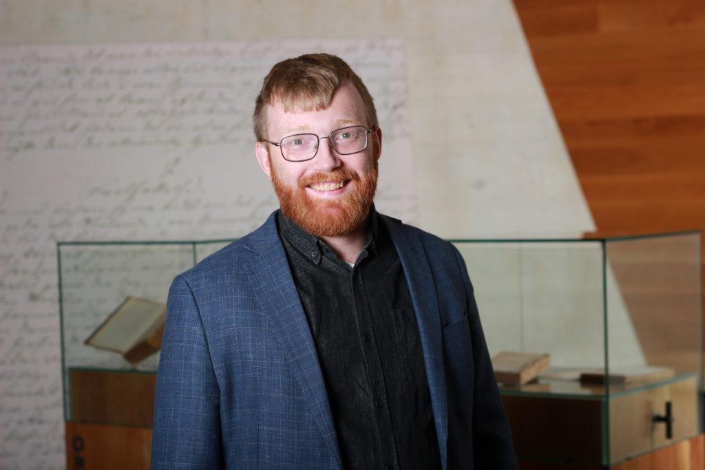 Bilete av direktør i Nynorsk kultursentrum Per Magnus Finnanger Sandsmark i Aasen-tunet.
