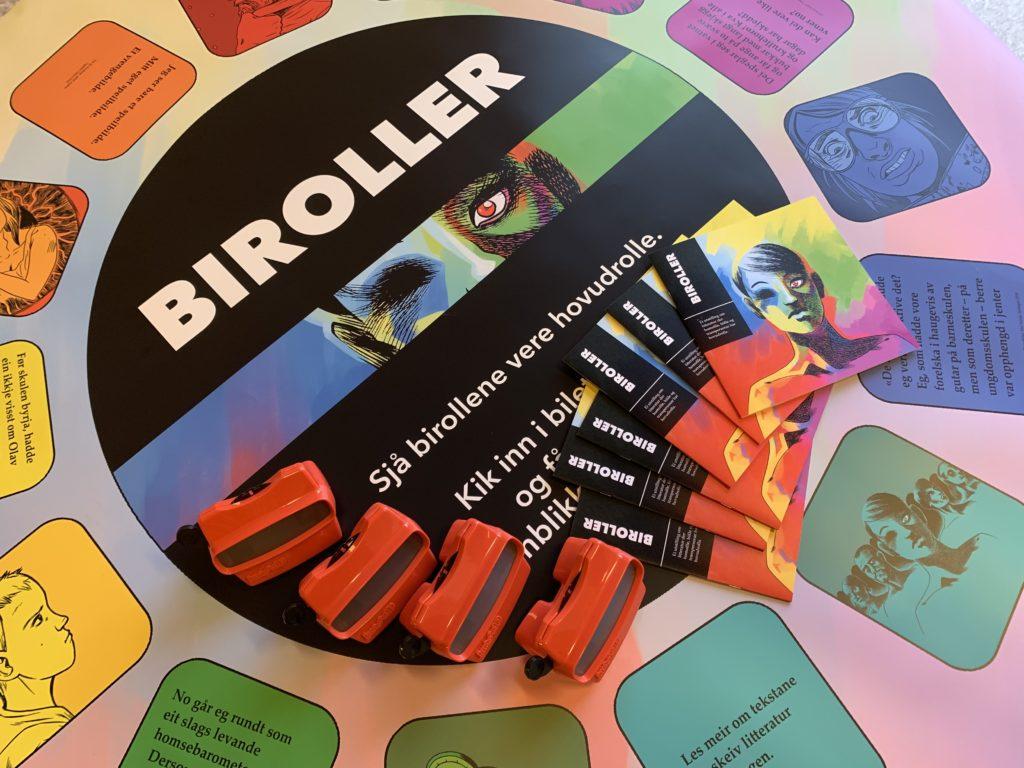 Utstillinga Biroller viser fram skeiv litteratur og journalistikk.
